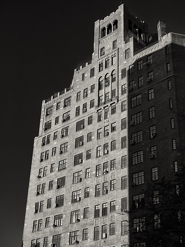 Building In Brooklyn Heights