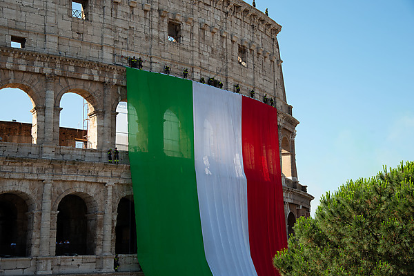 Italien Flag on the Colosseum
